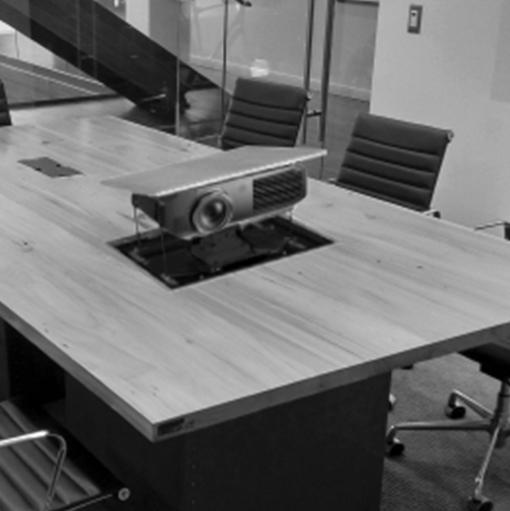 Retracta Table Projector Lift