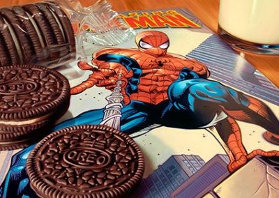 DB204R20 - Spiderman and Oreos
