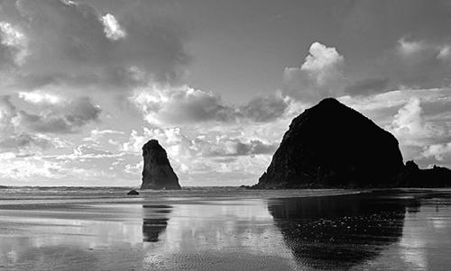 MN009R10 Canon Beach Reflections