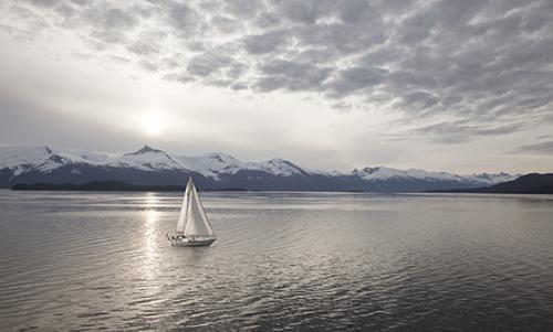MN027R10 Sailing at Sunset